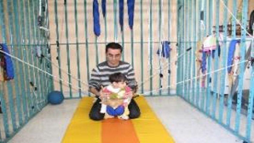 Erzincan'da 'uzay terapisi' i  yürümeyi öğretiyor. Cihan